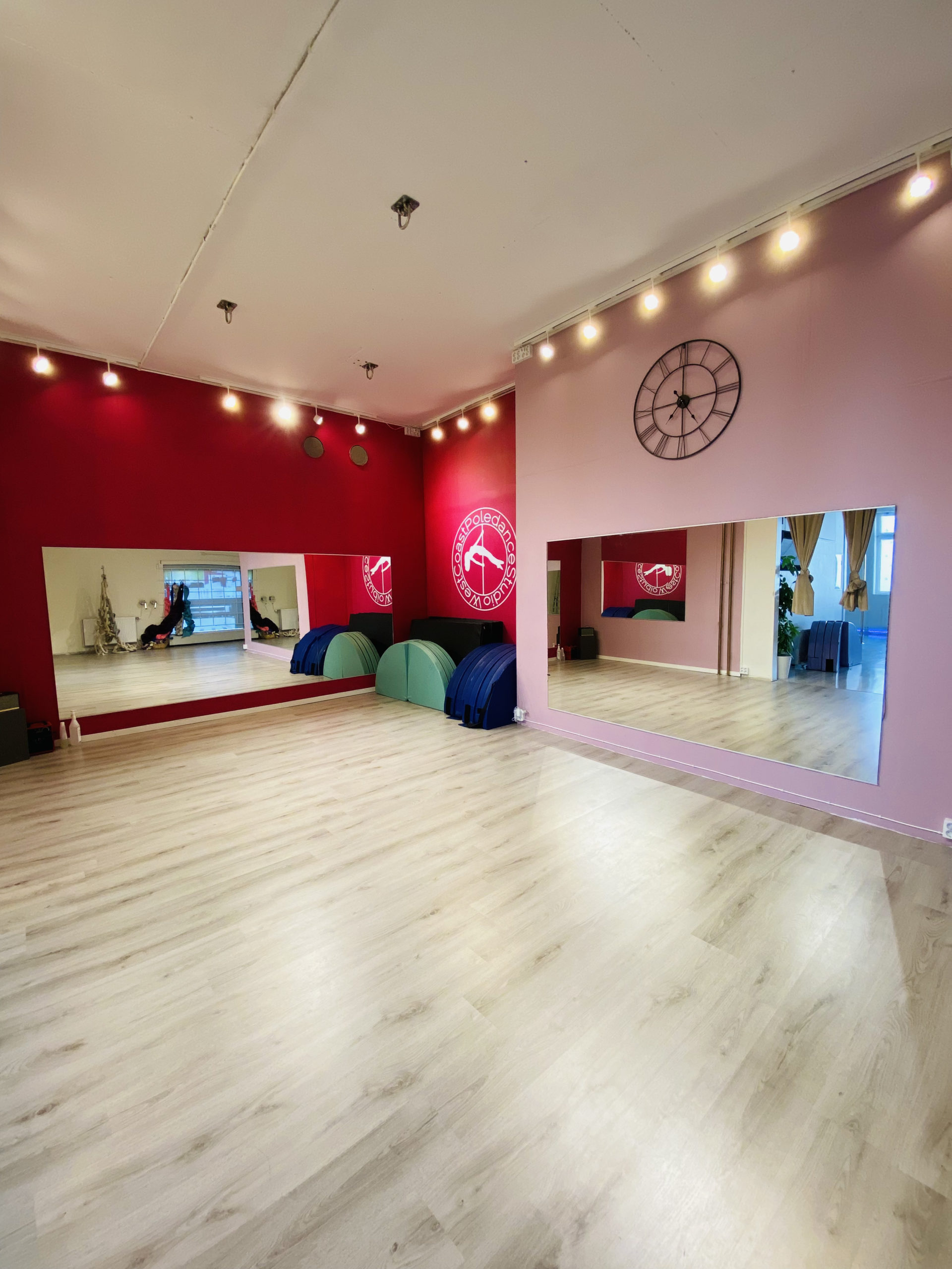 West Coast Poledance Studio i Göteborg WCPS Aerial Salen