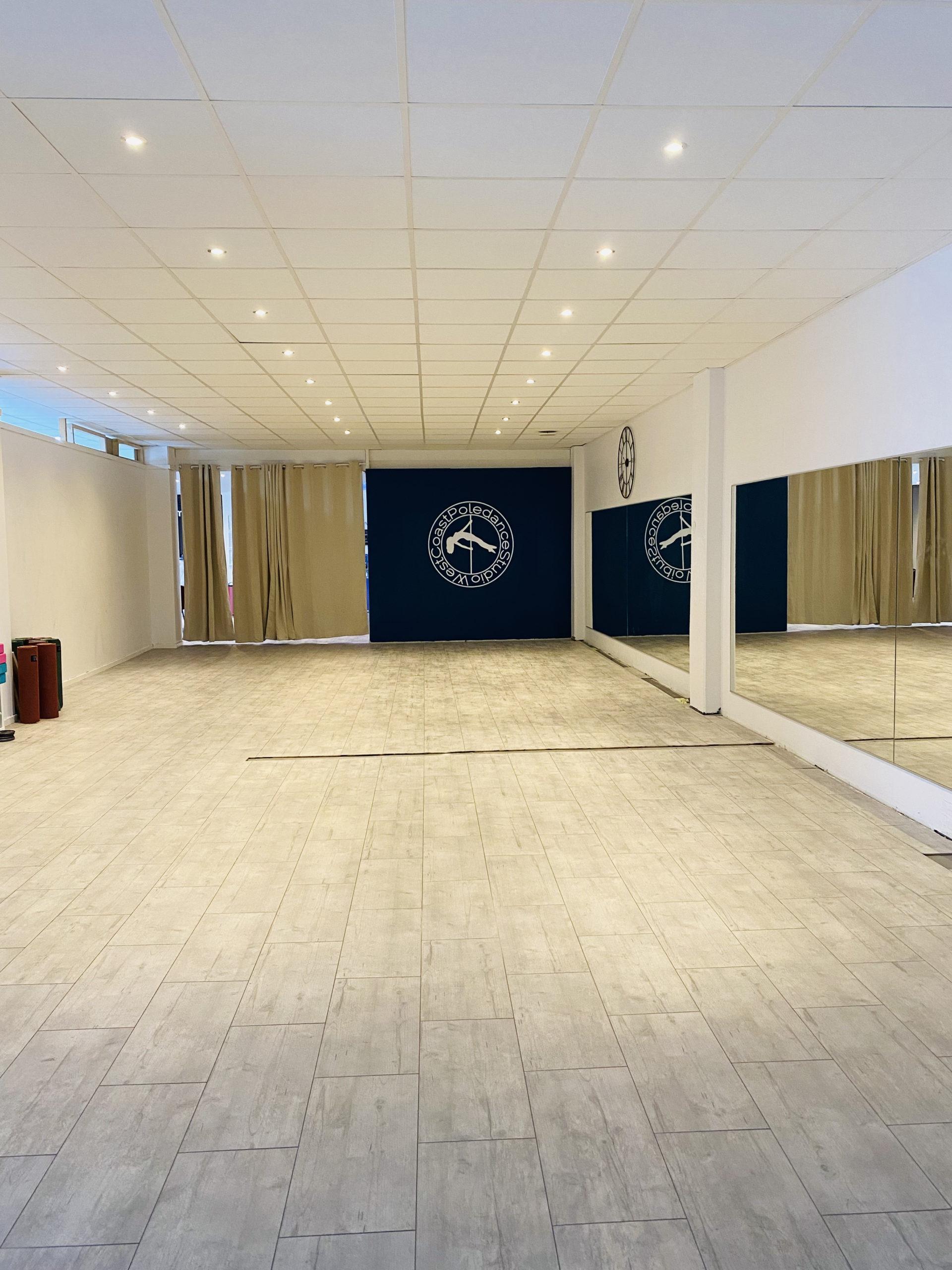West Coast Poledance Studio i Göteborg WCPS Dans Twerk Stretch Gröna Salen