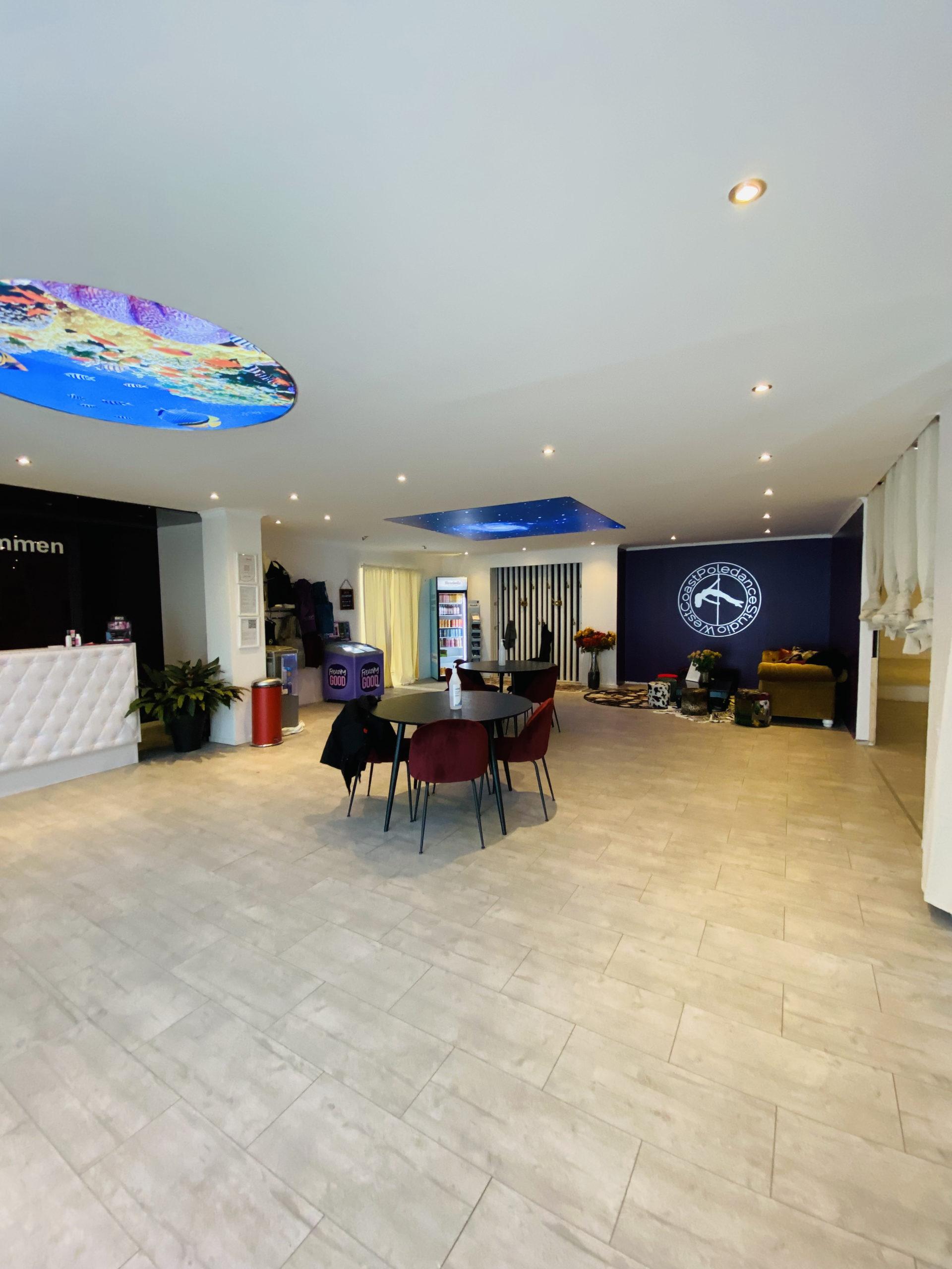 West Coast Poledance Studio WCPS GÖteborg Lobby